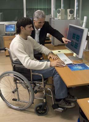 las desigualdades entre hombres y mujeres con discapacidad en el acceso al empleo y en la percepción de ingresos son en España de las más elevadas de la Unión Europea.