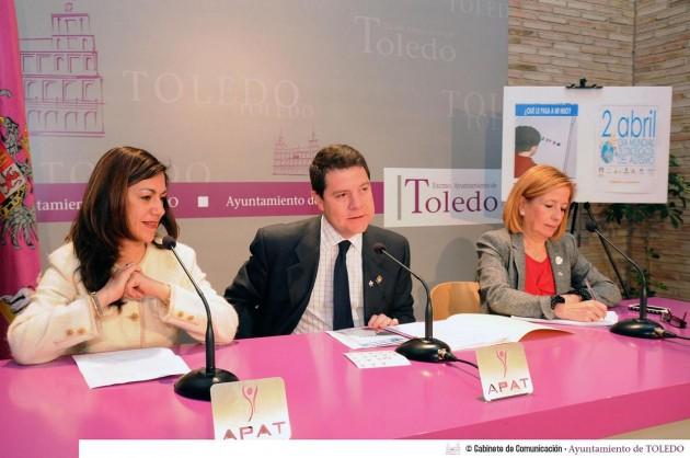Cristinta Gómez, Emiliano García-Page y Ana Saavedra, concejala de Bienestar Social