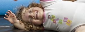 gimnasia de una niña con parálisis cerebral