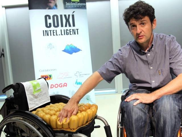 La fundaci n isidre esteve crea un coj n inteligente - Cojin silla de ruedas ...