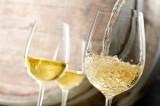 Beber vino blanco aumenta el riesgo de padecer un melanoma