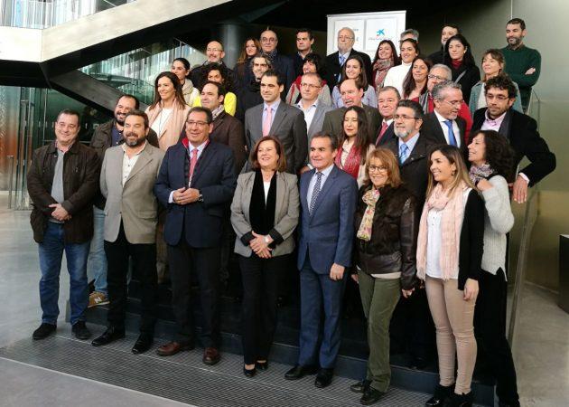 Representantes de las organizaciones andaluzas que recibirán el apoyo de 'la Caixa'.
