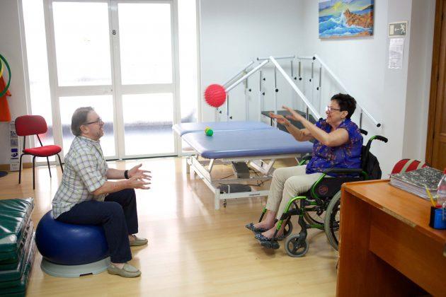 cerca-de-68-000-personas-mayores-o-que-sufren-discapacidad-o-enfermedad-seran-las-beneficiarias-de-las-ayudas-que-la-obra-soc