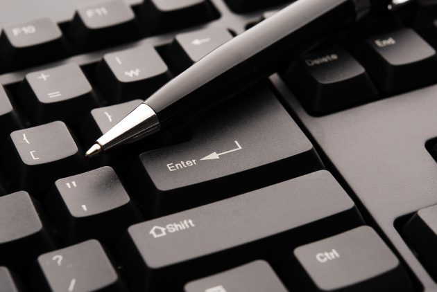 computer-black-and-white-keyboard-technology-number-pen-1330277-pxhere.com