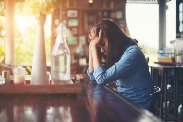 mujer sufriendo salud mental