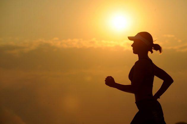 running_runner_long_distance_fitness_female_cross_country_athlete_endurance-915196.jpg!d