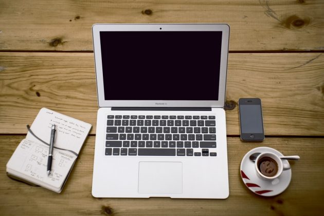 home_office_workstation_office_business_notebook_macbook_air_portable_device_computer-1338927.jpgd_
