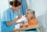 La alimentación de confort aporta calidad de vida en la demencia avanzada